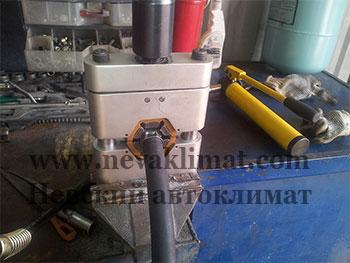 Изготовление резинового шланга (РВД) на станке