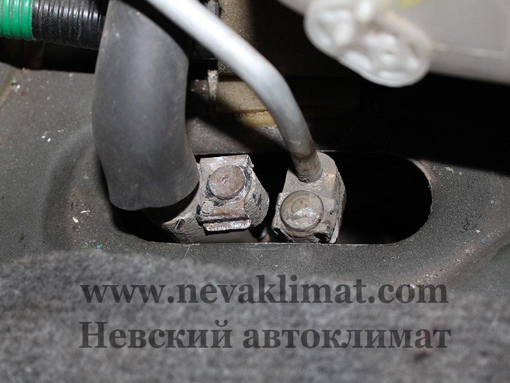 Ремонт заднего контура кондиционера на автомобиле Toyota Land Cruiser Prado