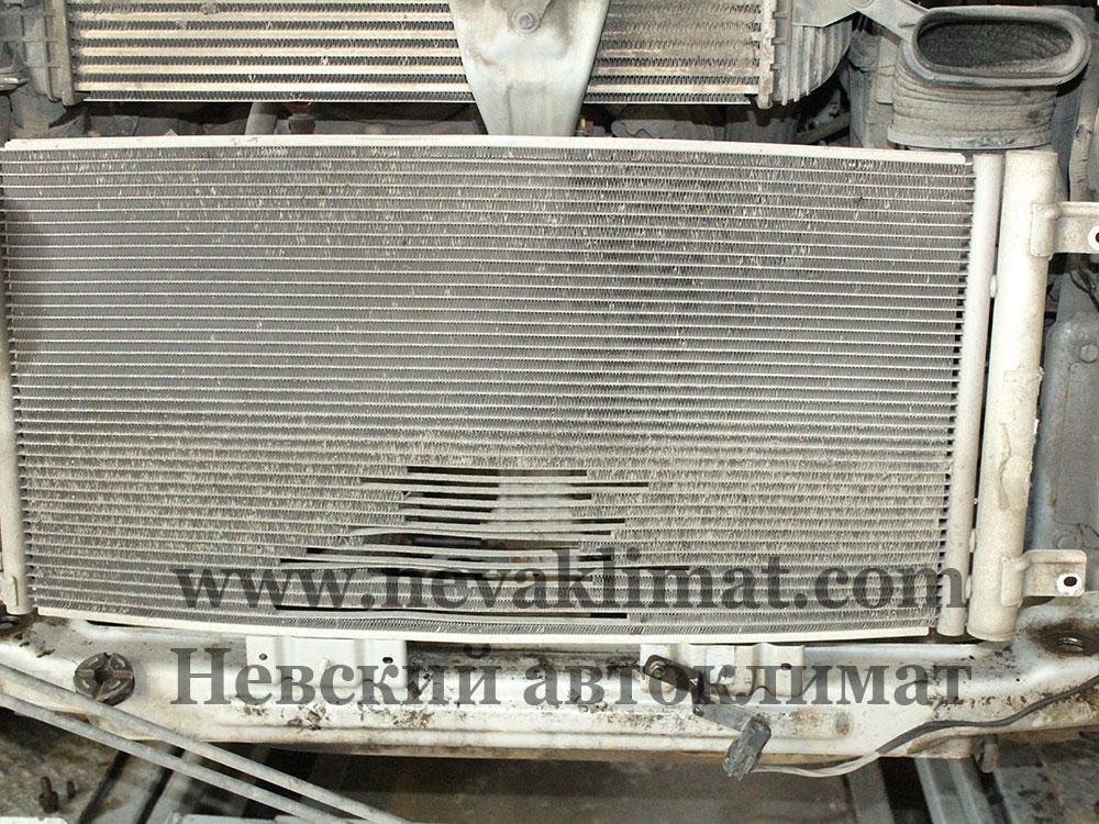 Ремонт радиатора охлаждения и замена радиатора кондиционера на автомобиле Ssang Yong 2010 года